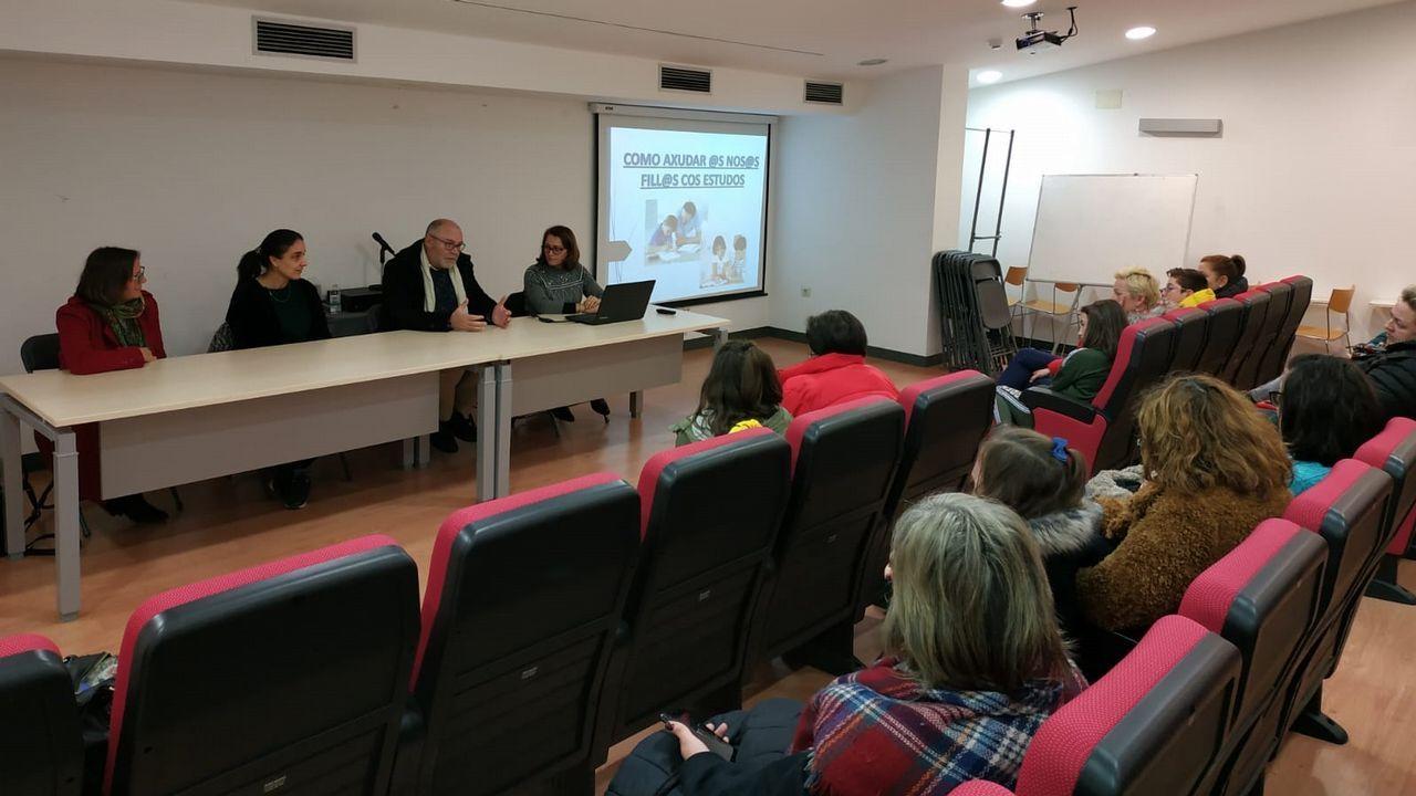Usuarios de Ambar presentando su exposición
