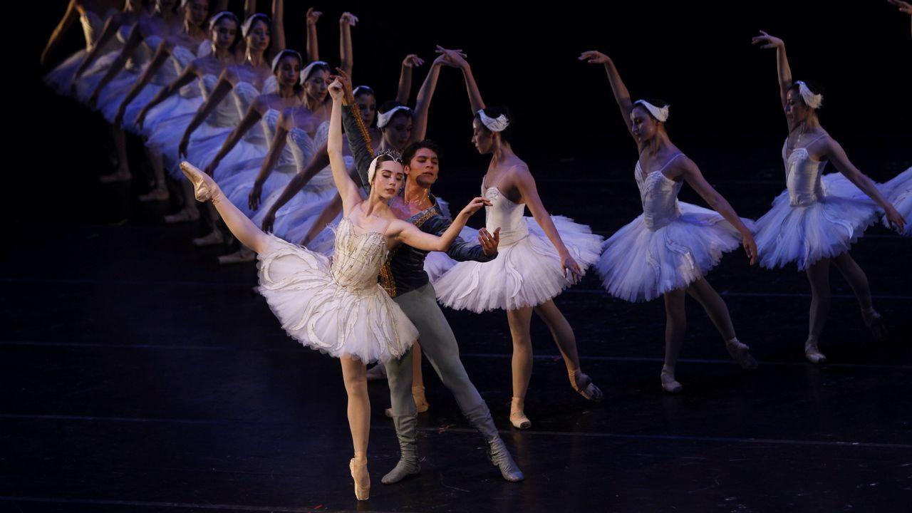 .Bailarinas de la compañía Nacional de Danza ensayan el espectáculo «El Lago de Los Cisnes» en el Palacio de Bellas Artes en Ciudad de México
