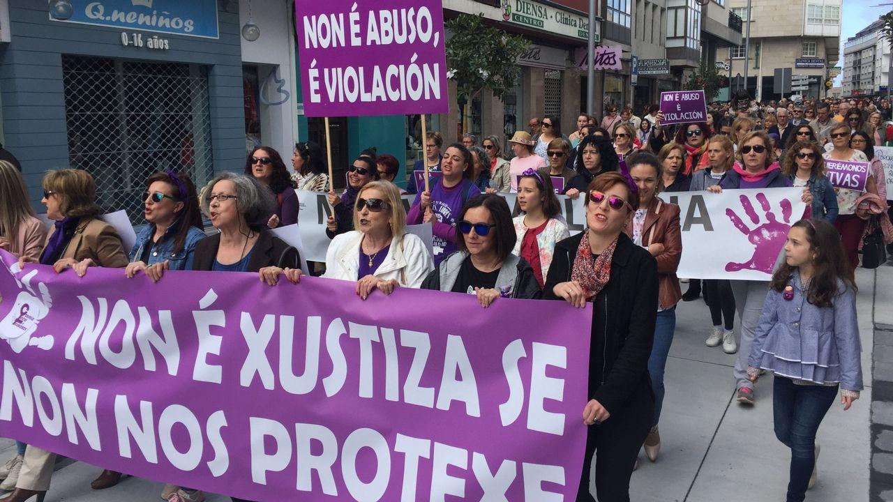 La belleza y la dureza del Camino reciben a los aventureros en Roncesvalles.Manifestación en Oviedo en favor de la víctima de La Manada