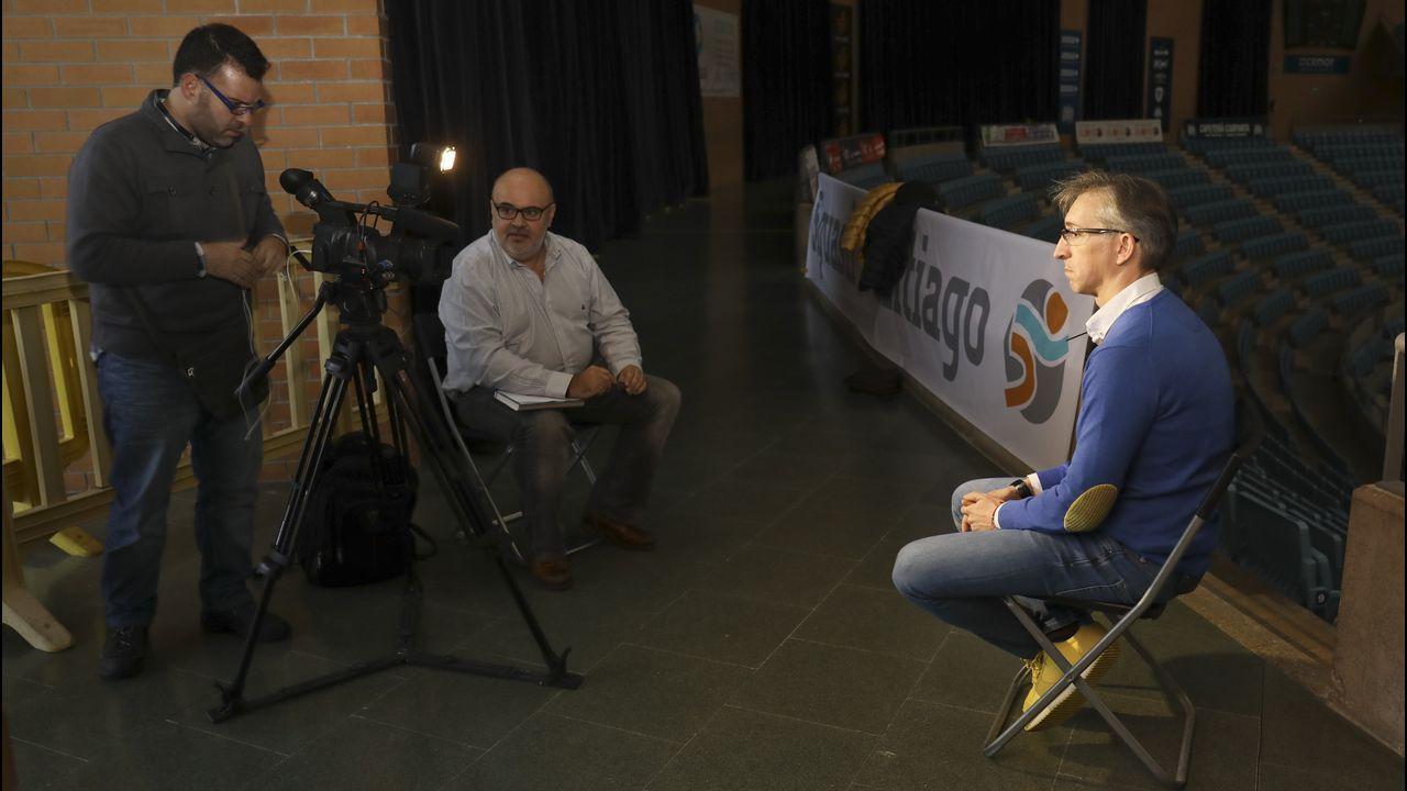 Moncho Fernández pasa revista.
