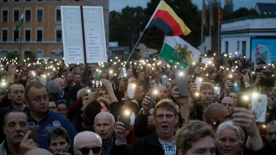 Mistificando. Origen del actual nazifascismo en la ex RDA, Alemania del Este.  Afp_20180830_175907867
