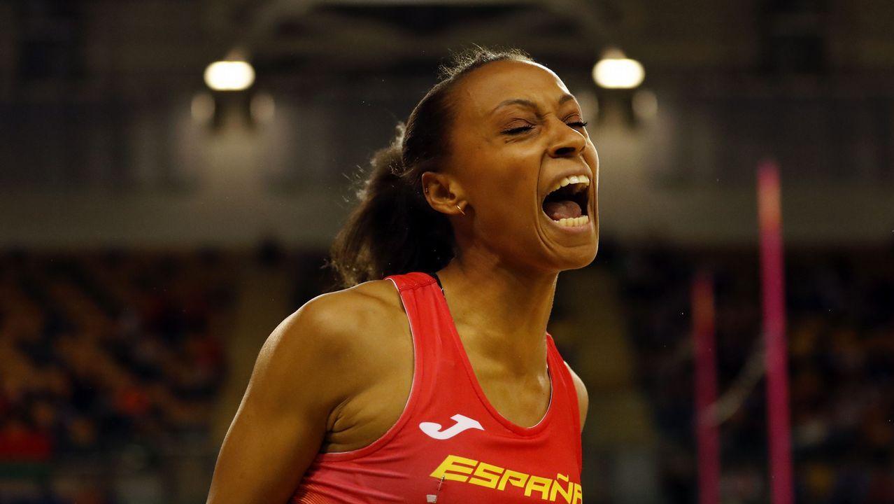 Ana Peleteiro: 3,49 metros de mejora en nueve años.El primer de Ana Peleteiro fue el 2010 en el galledo cadete celebrado en Riazor