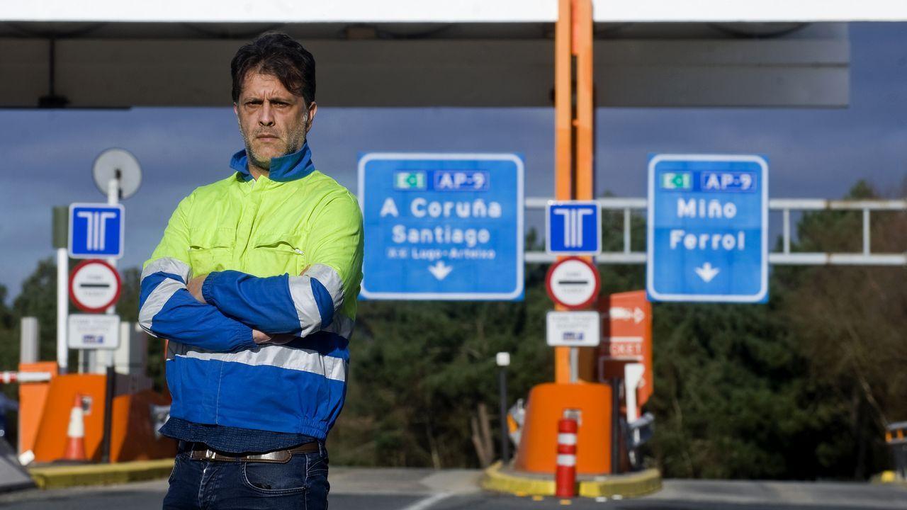 Antonio Señarís del Río presidente de ASCENTRA Asociación Coruñesa de Empresarios del Transporte en el peaje de la autopista AP9