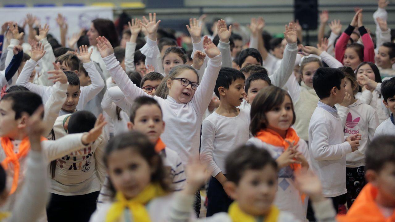 Los escolares de Vilanova celebran el Día de la paz.El cantante Miguel Bosé, en un reciente concierto celebrado en la localidad colombiana de Cúcuta y organizado por el empresario británico Richard Branson para recaudar dinero para Venezuela