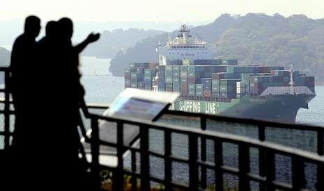 Vista del lago Gatún, contiguo a los trabajos de ampliación del canal de Panamá, en la costa atlántica del mismo.