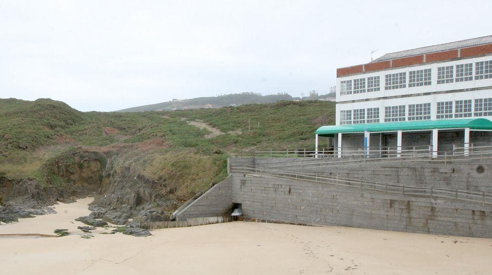 Playa de Retorta, en Boiro.Playa de Saíñas, en Carballo