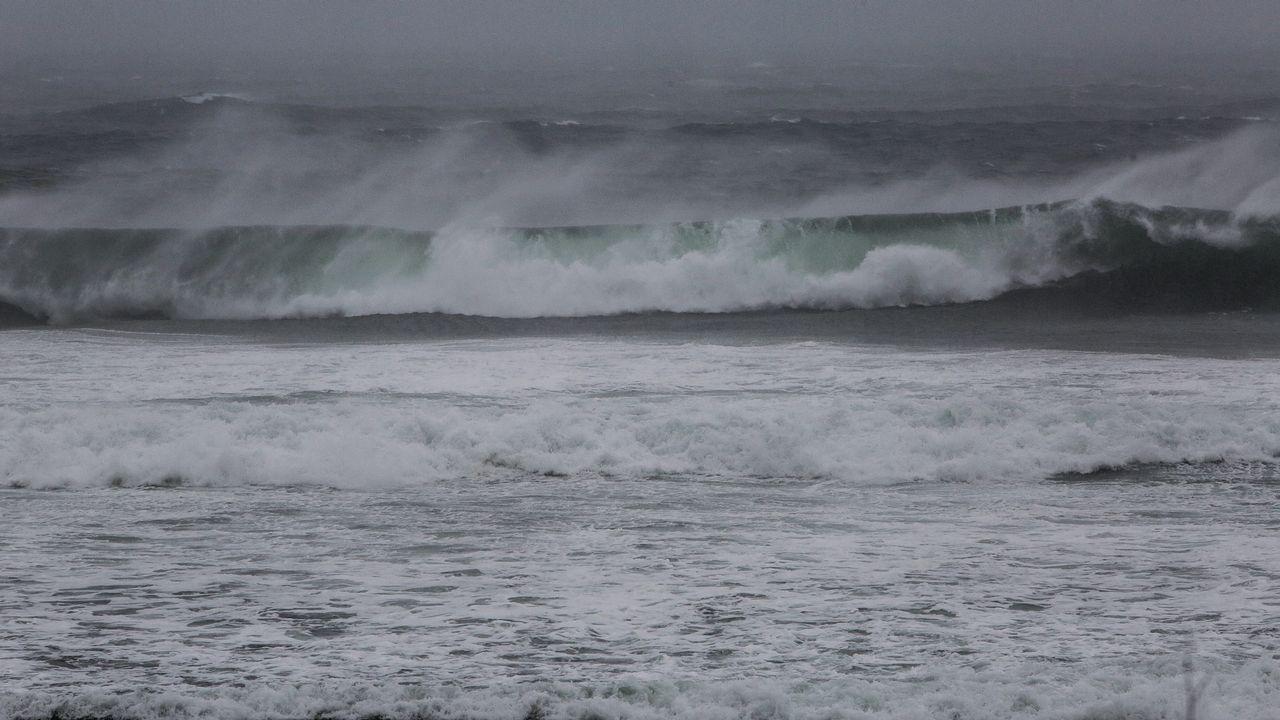 Temporal de lluvia y viento en A Lanzada