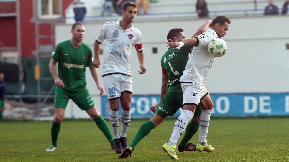 Segunda B Partido de futbol entre Boiro - Racing de Ferrol .