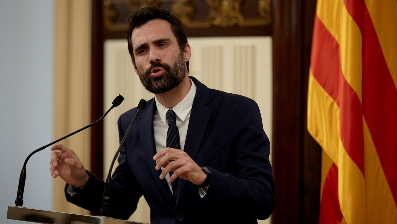 El presidente del Parlamento catalán, Roger Torrent, durante una comparecencia para comentar la impugnación del Gobierno a la investidura