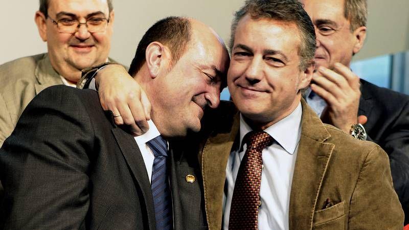 El PNV y la izquierda abertzale, juntos 15 años después.Floriano y Montoro advirtieron a Cataluña de las nefastas consecuencias de la independencia.