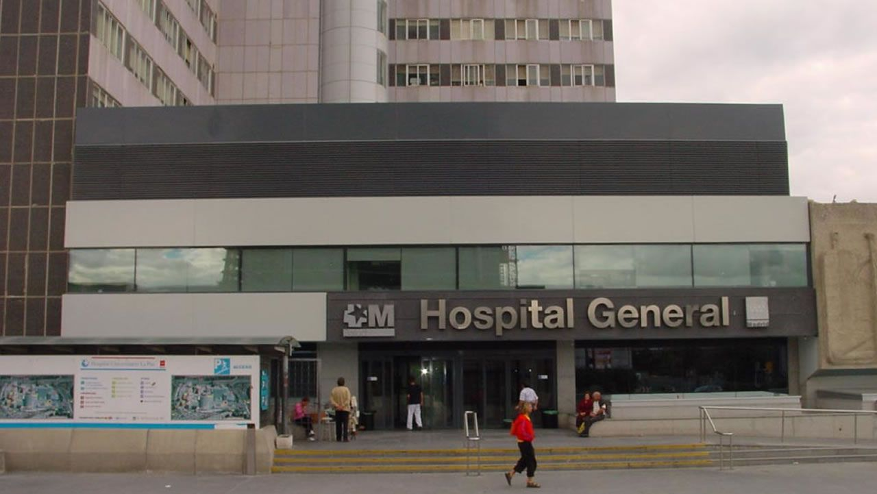 Un herido grave en el boloencierro de Mataelpino.Exteriores del Hospital La Paz de Madrid
