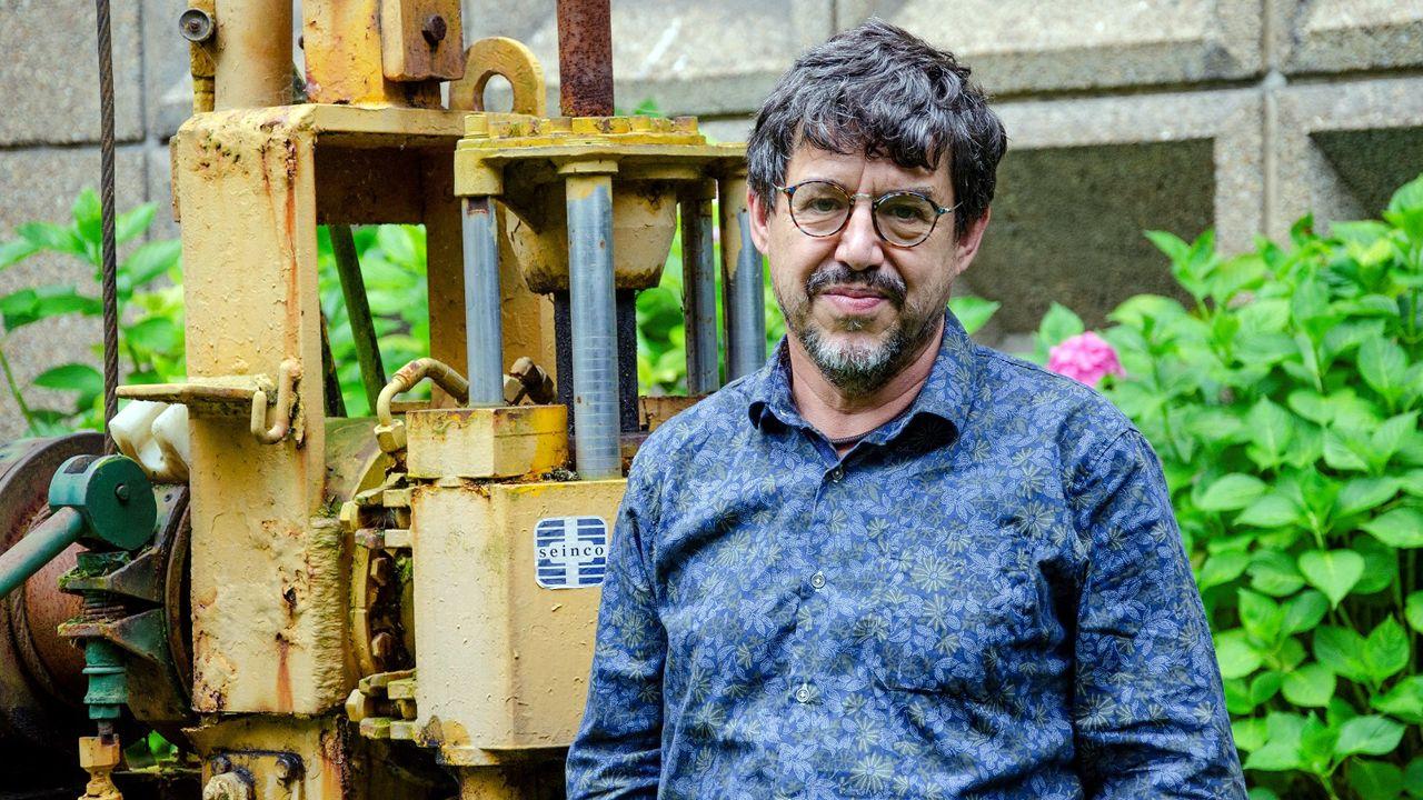 Una investigación matemática abre una esperanza contra el Párkinson.El rector de la Universidad de Oviedo, Santiago García Granda; el consejero de Sanidad, Francisco del Busto; y la presidenta del CSIC, Rosa Menéndez.