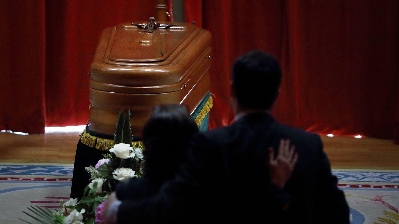 .Los restos mortales de Meilán Gil fueron honrados en el Paraninfo de la Universidade da Coruña