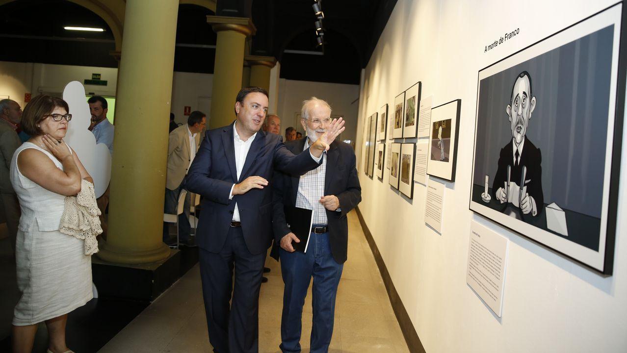 El presidente del Principado, Javier Fernández, junto al rector de la Universidad, Santiago García Granda, durante la apertura del curso