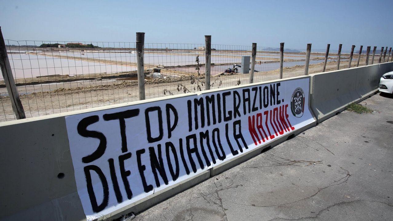 Cartel contra la inmiración en Tripani, Italia