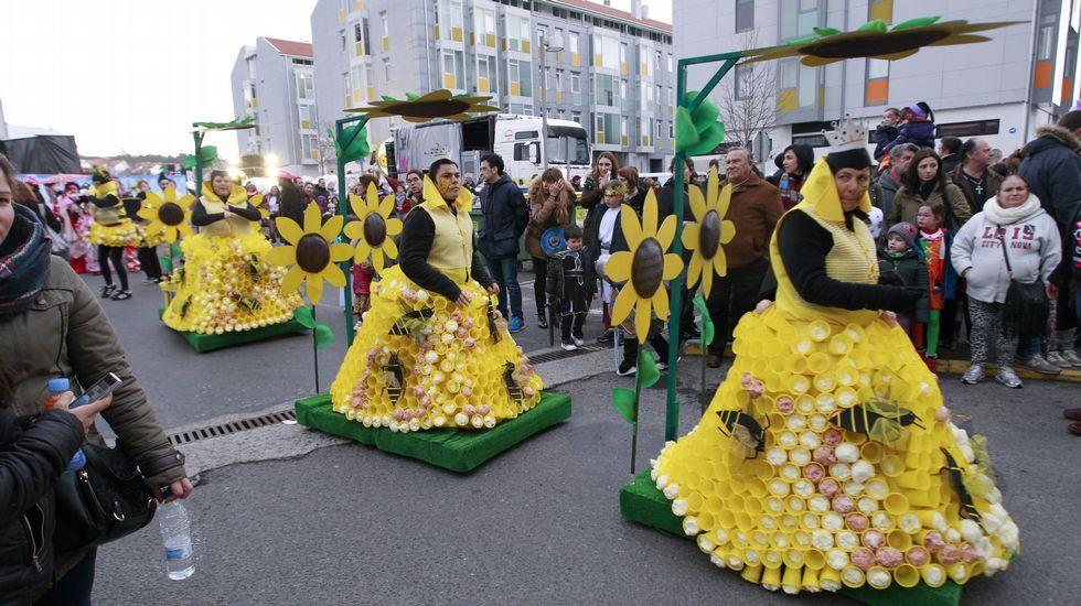 Desfile de carnaval en Bertamiráns