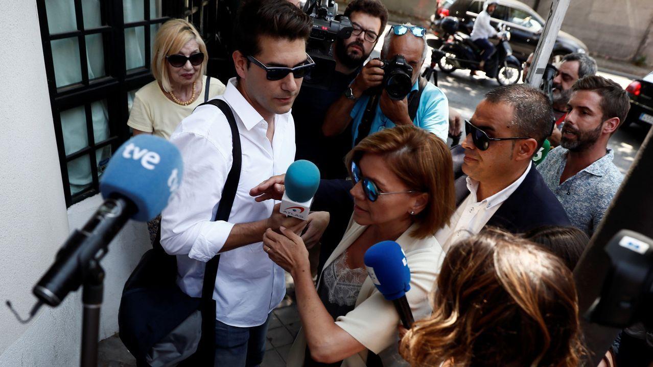 .En la imagen, la secretaria general del PP, María Dolores de Cospedal, a su llegada al almuerzo