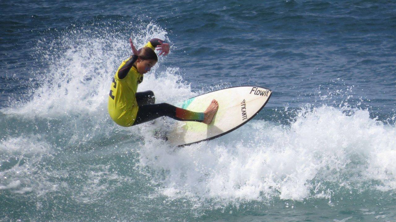 Escuela de surf en Asturias surf tapia de casariego surfing.Sindicatura de Cuentas del Principado de Asturias