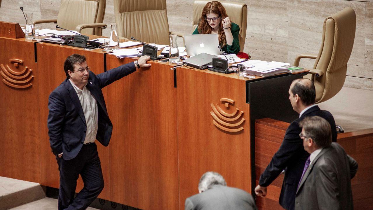 Real Oviedo Malaga alineacion Carlos Tartiere.El presidente extremeño, Guillermo Fernández Vara, en una sesión en el Parlamento autonómico