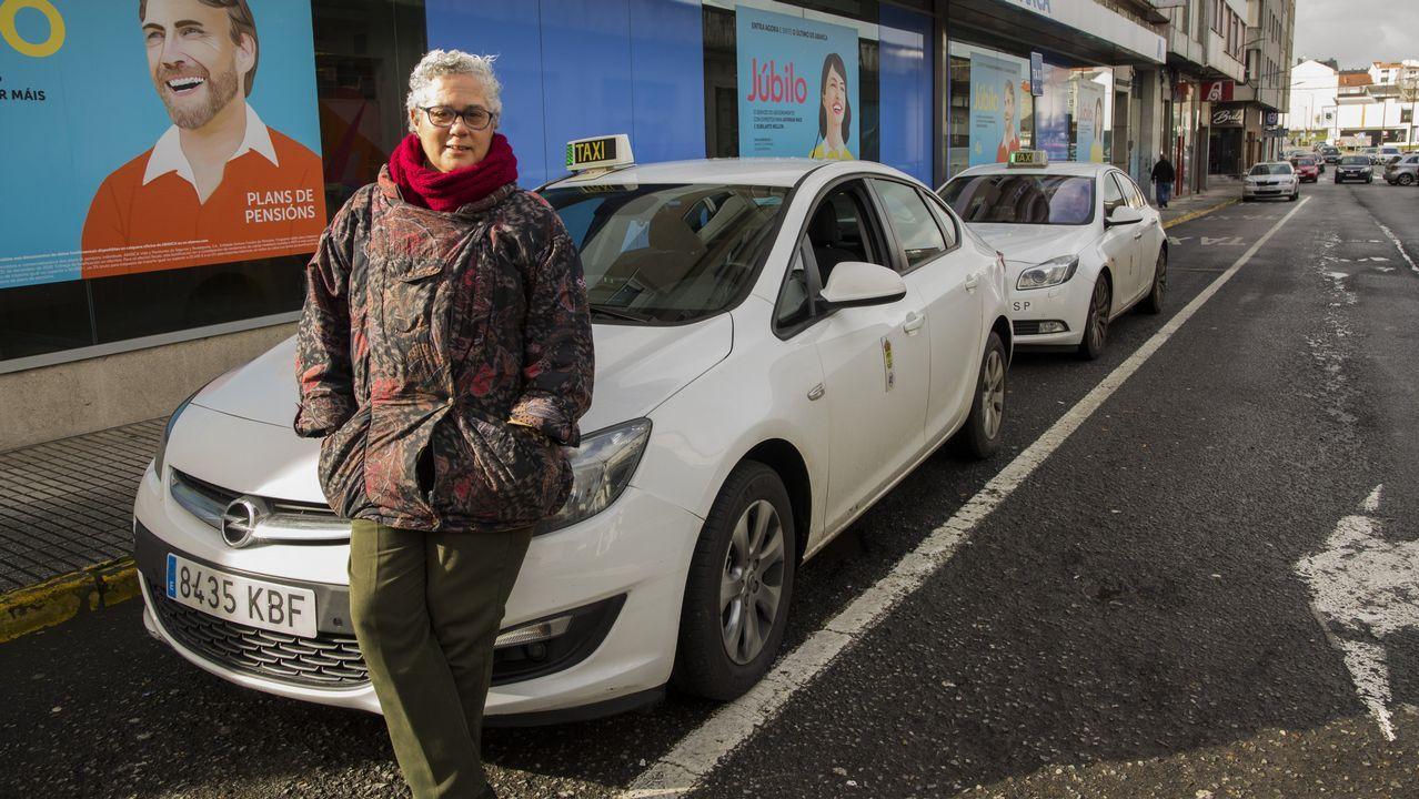 Mayores y peregrinos alejan al taxi de la amenaza de las VTC