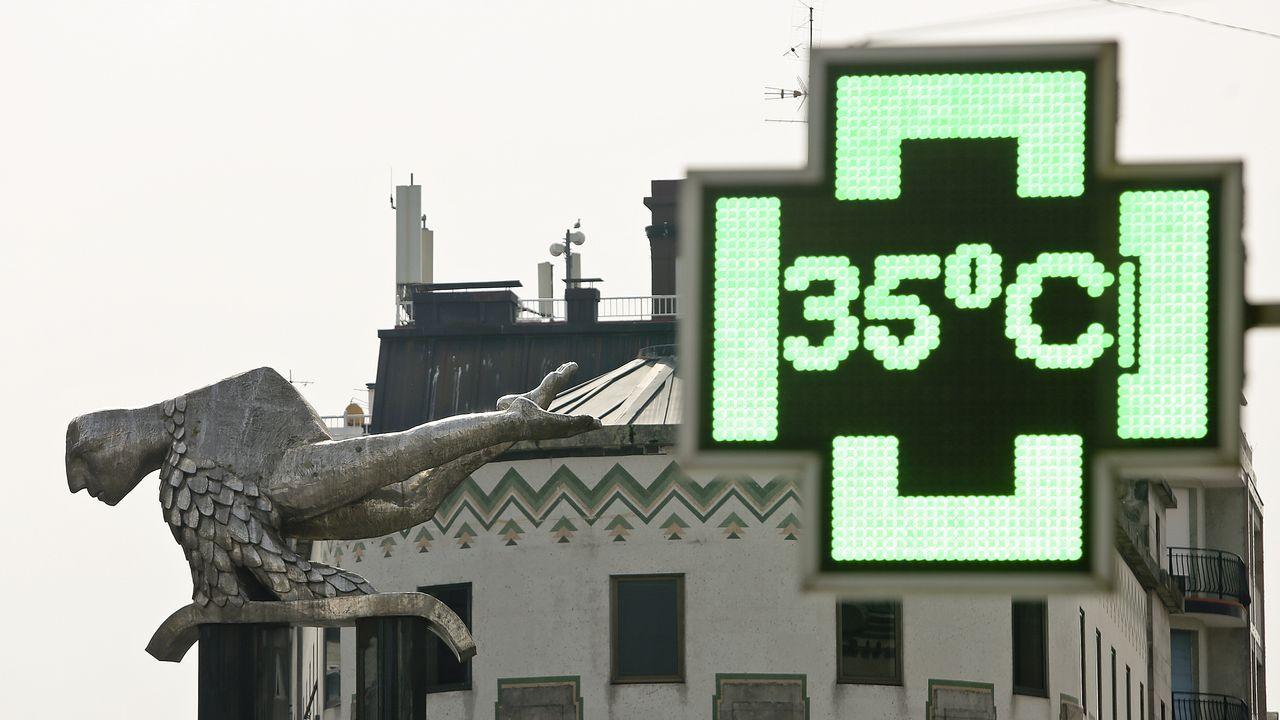 Noche sofocante en Vigo: «¡esto es un infierno! No he dormido nada».