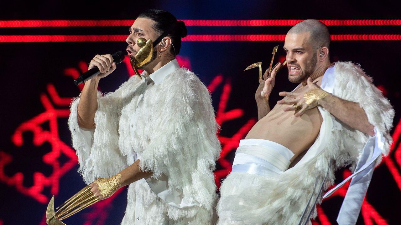 Conan Osiris, a la izquierda, interpreta el tema que representará a Portugal en Eurovisión 2019
