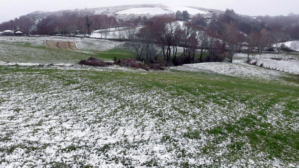 Paisaje nevado en la parroquia de Foilebar, en O Incio