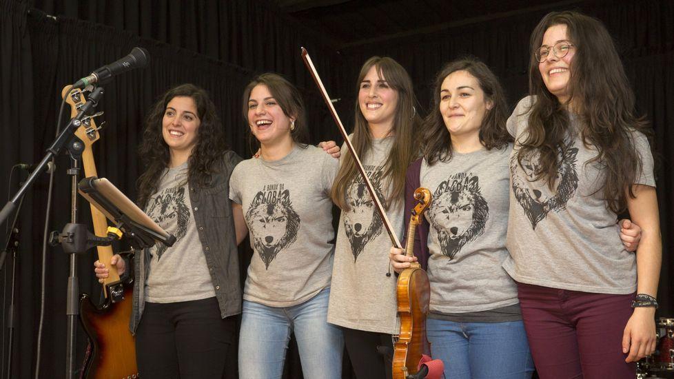 .A banda da Loba es uno de los grupos que toca esta noche en Viana do Bolo