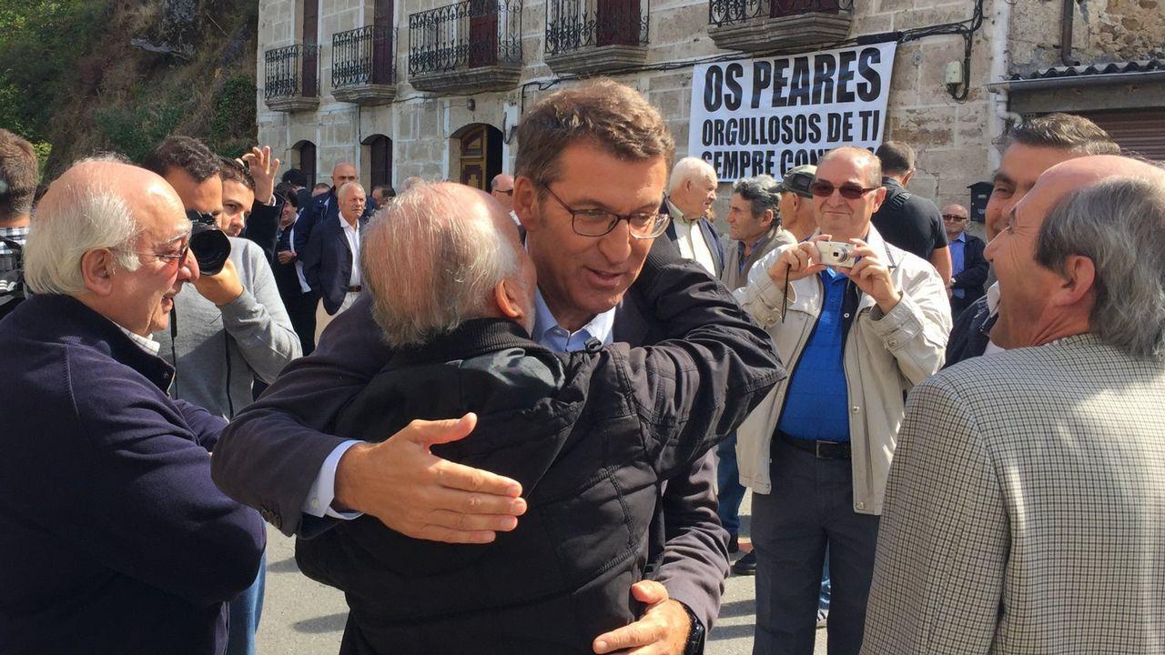 Alberto Núñez Feijoo nació en Ourense en 1961 pero su infancia transcurrió en Os Peares. Estudió Derecho en Santiago.