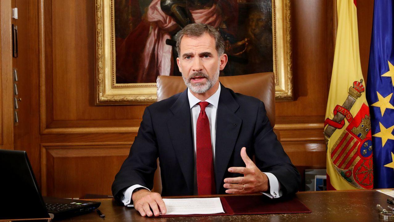 3 de octubre.3 de octubre. El Rey insta a asegurar el orden en Cataluña. En un duro discurso, reclama a los poderes de la nación que restauren el Estado de derecho frente a quienes incumplen la Constitución y el Estatuto «de manera reiterada, consciente y deliberada»