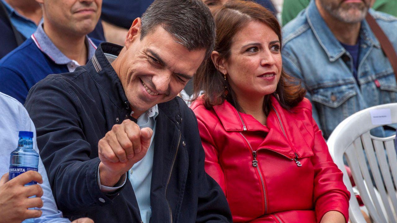 Las imágenes del acto de Pedro Sánchez en Oviedo.Casado se estrenaba ayer como líder del PP en el Congreso