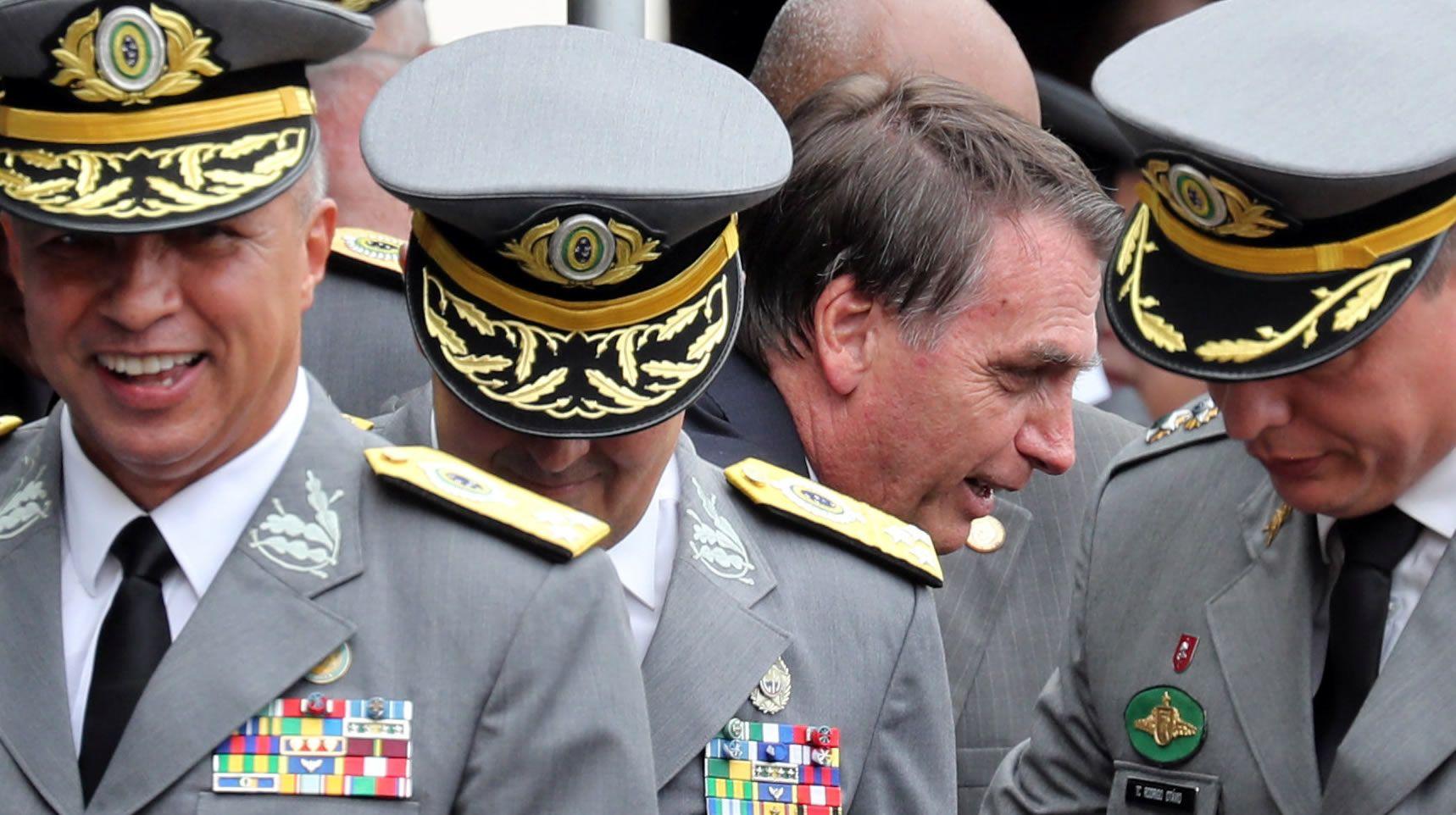 Bolsonaro, en el acto de graduación de la Academia Militar de Agulhas Negras