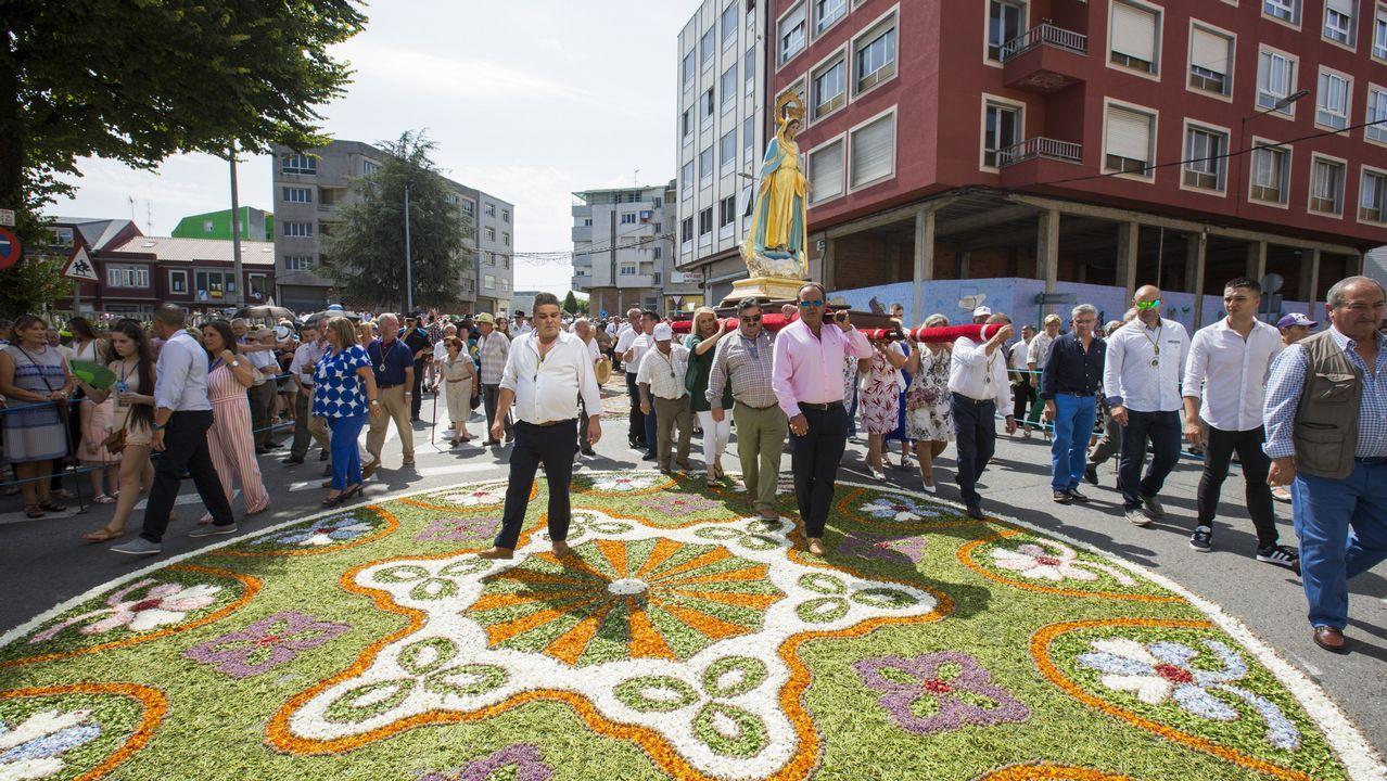 Las espectaculares alfombras del barrio de A Milagrosa