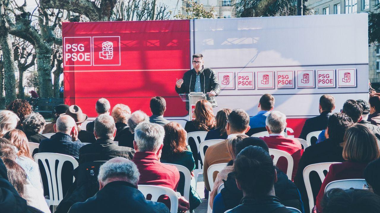 Casado promete una gran rebaja fiscal.Teresa Mallada. Asturias. Aupada desde Madrid sobre la presidenta del PP regional en busca de un acercamiento a Foro Asturias, de A. Cascos.