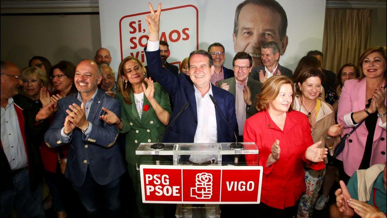 Así esla plantaque BMW acaba de inaugurar en México. Jorge Cebreiros (en el centro) y su junta directiva, tras las elecciones del 26 de febrero del 2015 en la CEP