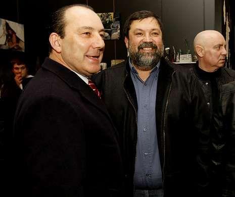<span lang= es-es >Caamaño, en la inauguración</span>. El ex ministro y secretario provincial del PSOE, Francisco Caamaño, asistió a la inauguración.