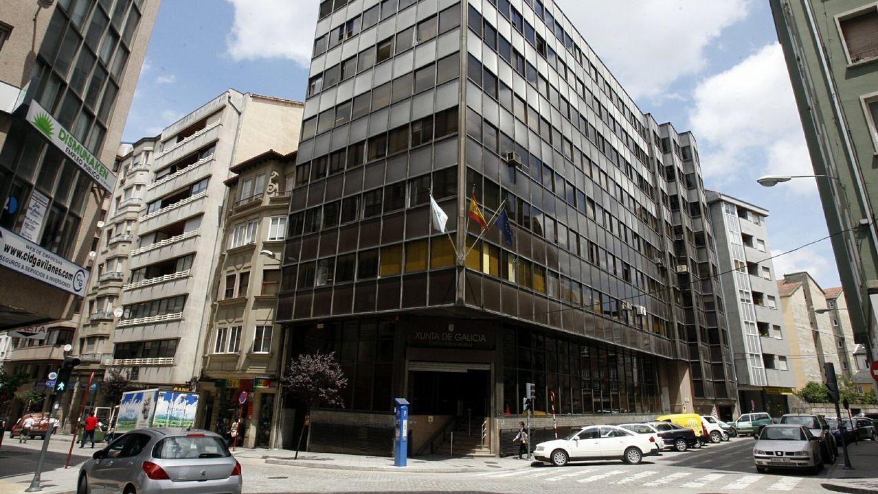 Protestas en el hospital y los centros de salud de Monforte y Chantada.Tienda de Pimkie en el centro de Oviedo