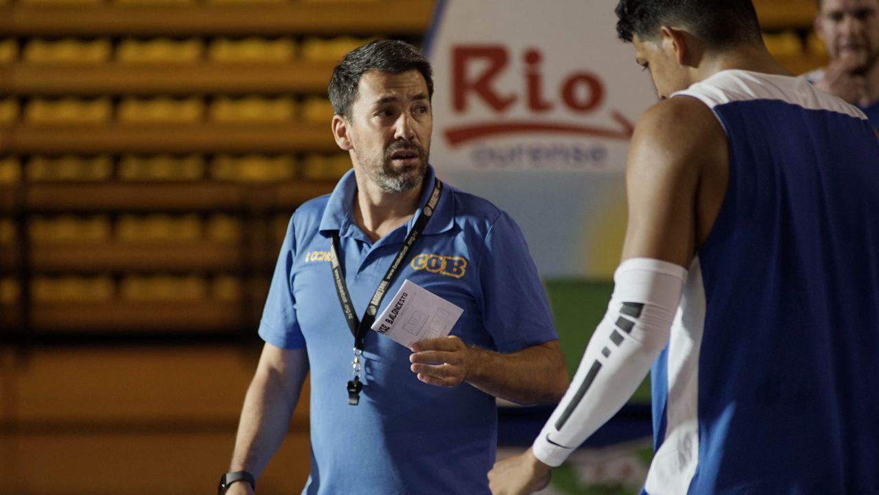 Boateng Real Oviedo Extremadura Carlos Tartiere.Imagen de archivo de una intervención quirúrgica