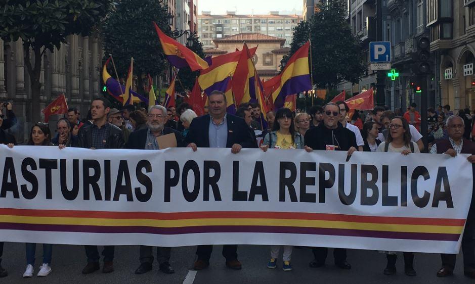 Manifestación por la República en Oviedo