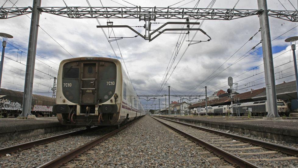 Algunas de las estructuras más altas de Galicia.Tren de Arriva en Gales, compañía que opta a explotar el tren Oporto-A Coruña
