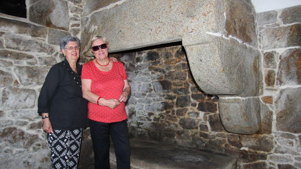 Ana y Mercedes Canosa, hijas del carcelero de Corcubión, Jesús Canosa Lago