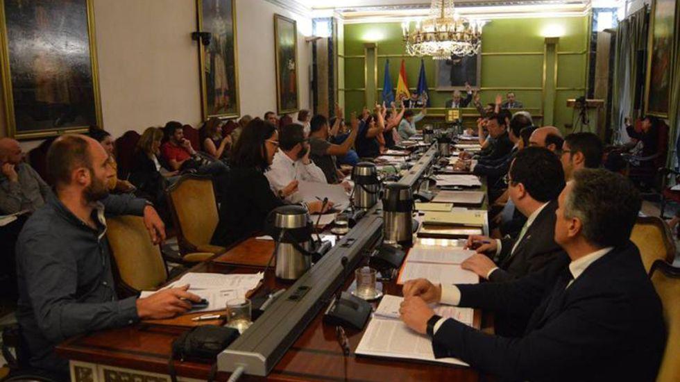 El concejal Roberto Sánchez Ramos, Rivi.Pleno del Ayuntamiento de Oviedo