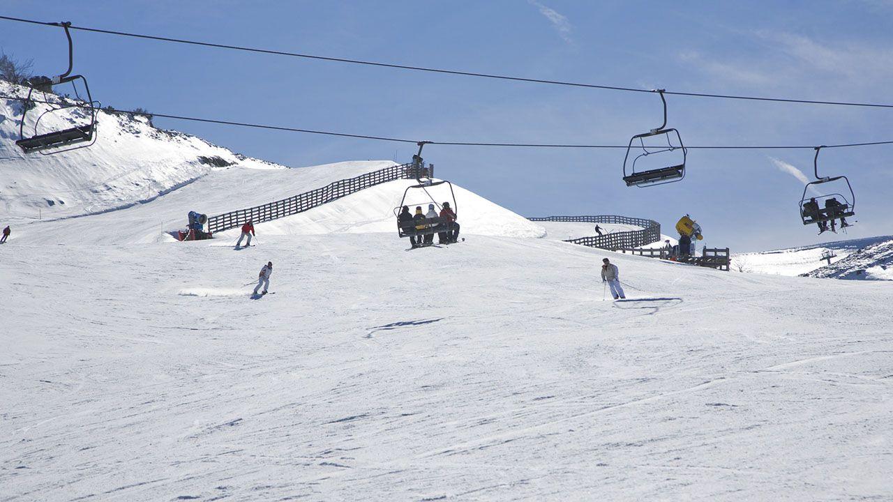 Los que se quedan fuera del Congreso.Estación de esquí Valgrande-Pajares