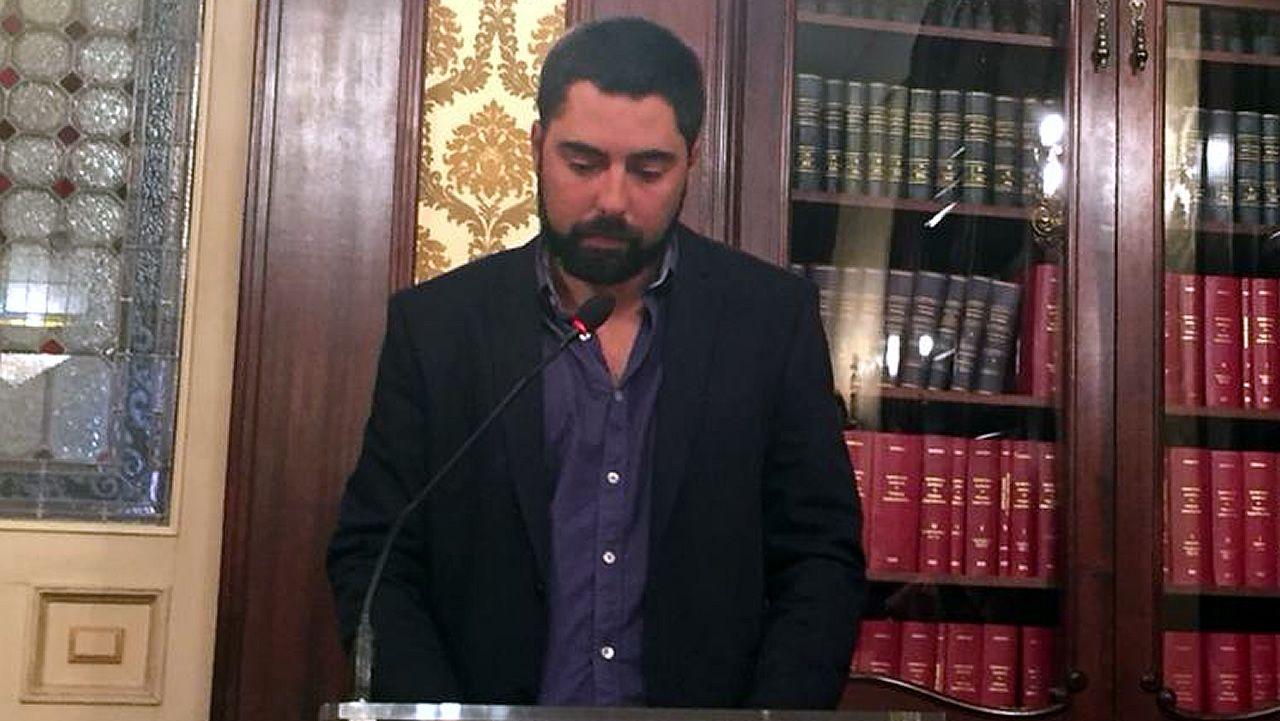 El concejal Xiao Varela, al que la oposición pide su dimisión por el caso de los pisos comprados a un afín
