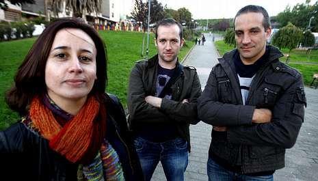 Los socios de Vicusgraf han elegido como administradora a Mercedes Arufe, en la foto junto a Iván Pérez y Jairo Pereira.