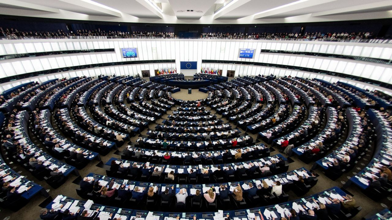 Polémico mural en Olot: compara a los líderes políticos con «La Manada».El Parlamento Europeo ha hecho público un estudio en base a las encuestas realizadas en los países de la UE de cara a las elecciones europeas del 26 de mayo