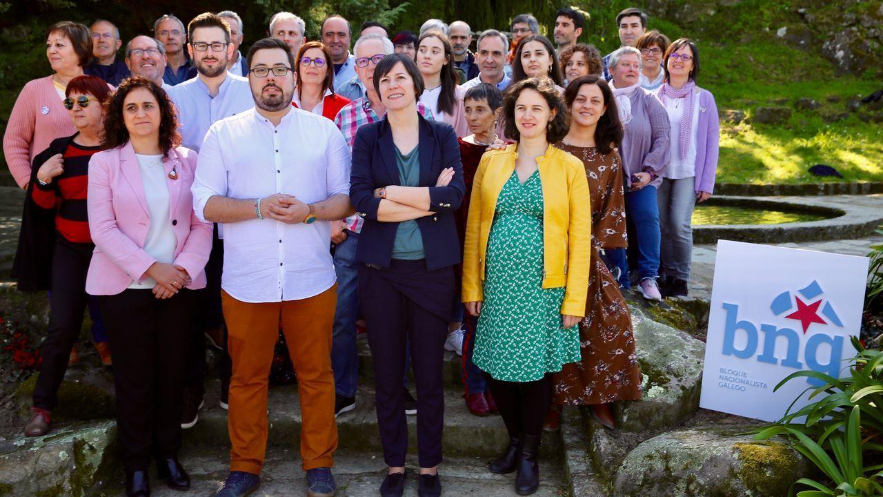 Pablo Casado y Feijoo entregan los carnés a los nuevos afiliados.A finales de marzo, Ana Pontón logró el 98% de los apoyos para liderar el BNG.
