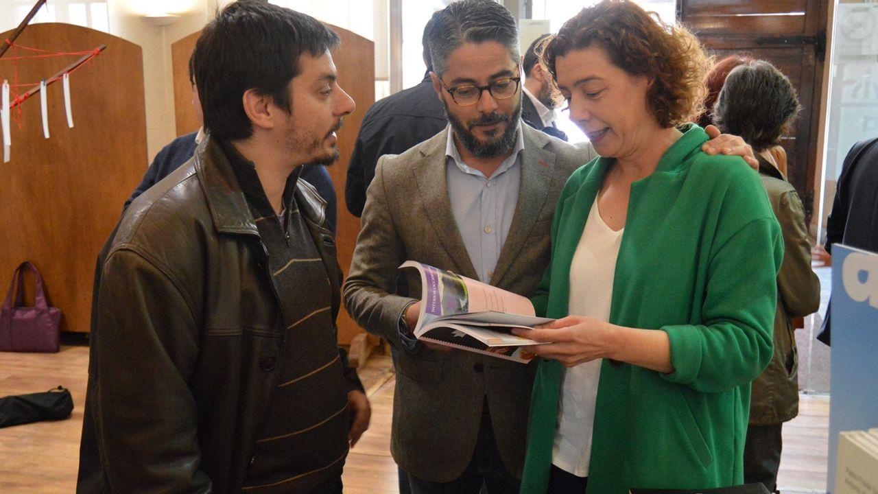 Cristina Pontón, concejala de Izquierda Unida; Gerardo Antuña, concejal del PP; Ignacio Fernández del Páramo, concejal de Somos. En la inauguración de LibrOviedo