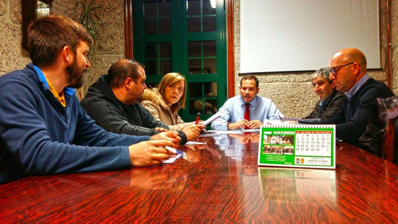 Oviedose convierte en la capital de España de la Infancia.Esteban Aparicio, junto a Carmen Moriyón