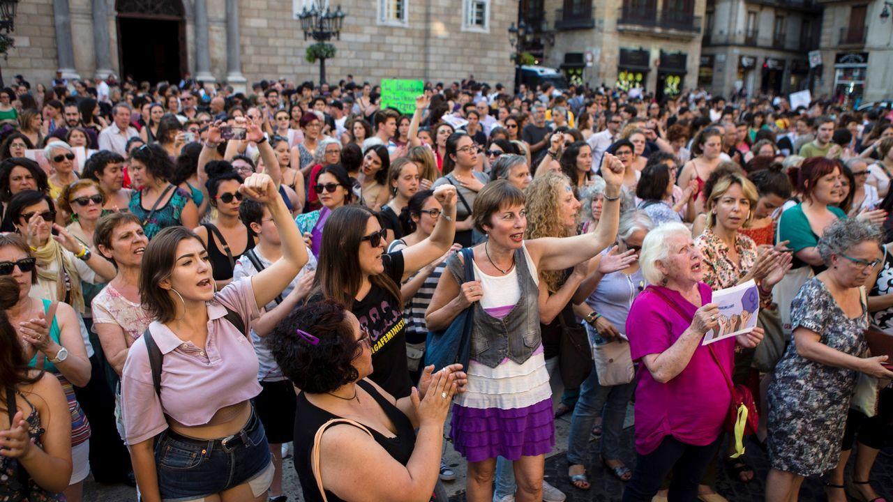 .Concentración en Barcelona contra el auto de libertad provisional de La Manada